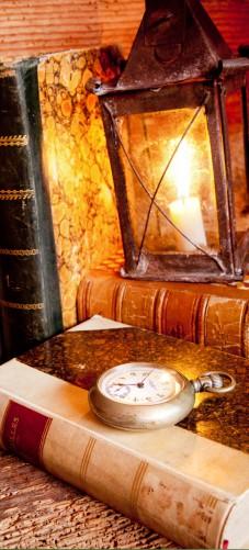 Selbstklebende Tapete Anleitung : Selbstklebende T?rtapete Antike Laterne mit Kerze ? Bild 1
